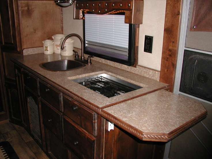 Living quarter horse trailer interior options equinerv for Decor quarters