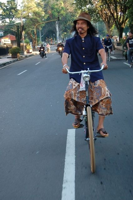 Budi Benjol , Bandung