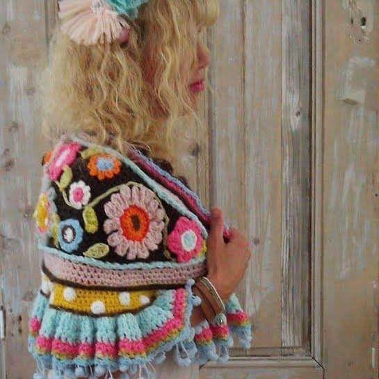 Na een aantal heerlijke feestdagen vandaag weer aan het werk.....haakwerk welteverstaan #crochetdesign #owndesign #crochetlover #haken #gehaakt #uncinettocreazione #uncinetto