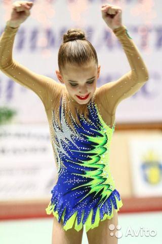 Продам купальник для художественной гимнастики, размер 140-146.На худенькую девочку. Стразы Preciosa, Swarovski ( 2 440 шт. ...