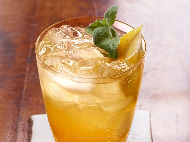 Sweet Tea Collins from #FNMag: Tea Collins, Sweet Tea, Sweets, Sweet Minty, Teas, Sounds Perfect, Hot Summer