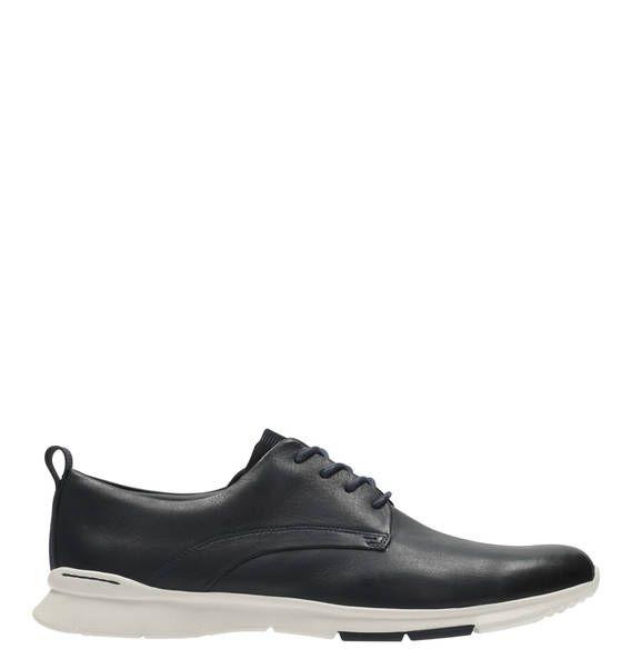 #Clarks #Sneaker #Tynamo #Walk Ortholite - Innensohlen spielen eine wichtige Rolle, um Ihren Schuhe ein bequemes Tragegefühl zu verleihen: Diese hochwertigen Innensohlen mit Ortholite® Schuhtechnologie besitzen ein langlebiges und stoßdämpfendes Fußbett. Feuchtigkeit und Gerüche werden Unsere Komfort-Technologien werden stets weiterentwickelt und wir achten ganz besonders darauf, dass die Anwendung unsichtbar, diskret und gut durchdacht ist. Das Ergebnis sind stylische Schuhe mit hohem…