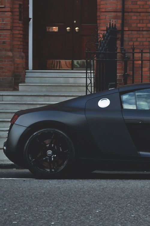 Matte black Audi R8