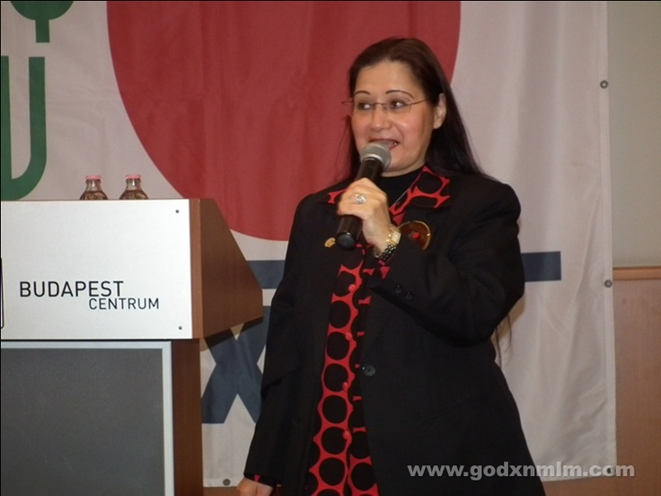 On 8th of September 2012 Ms. Wafa Bdair , one of the motivational trainers and product experts of DXN, was the guest lecturer on the latest event of the Hungarian DXN Network.