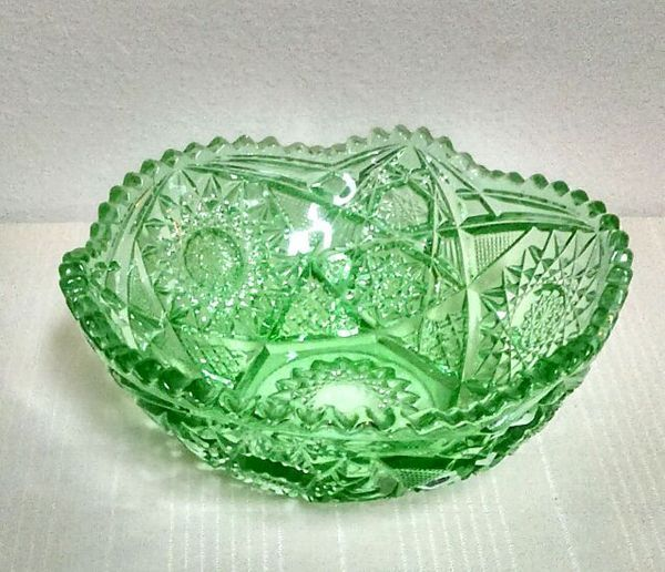 Vintage cut glass/crystal saw tooth bowl, stars