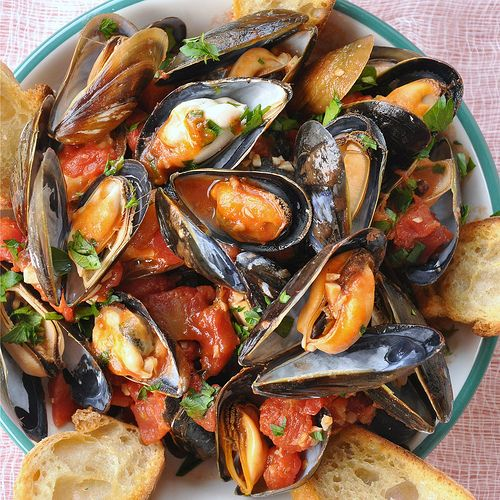 Neapolitan Style Mussels - Food Lover's Odyssey
