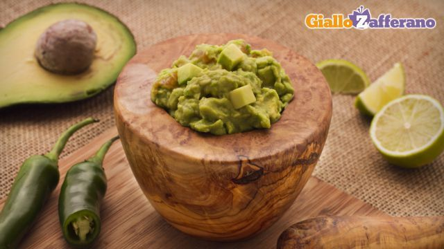 Guacamole con avocado
