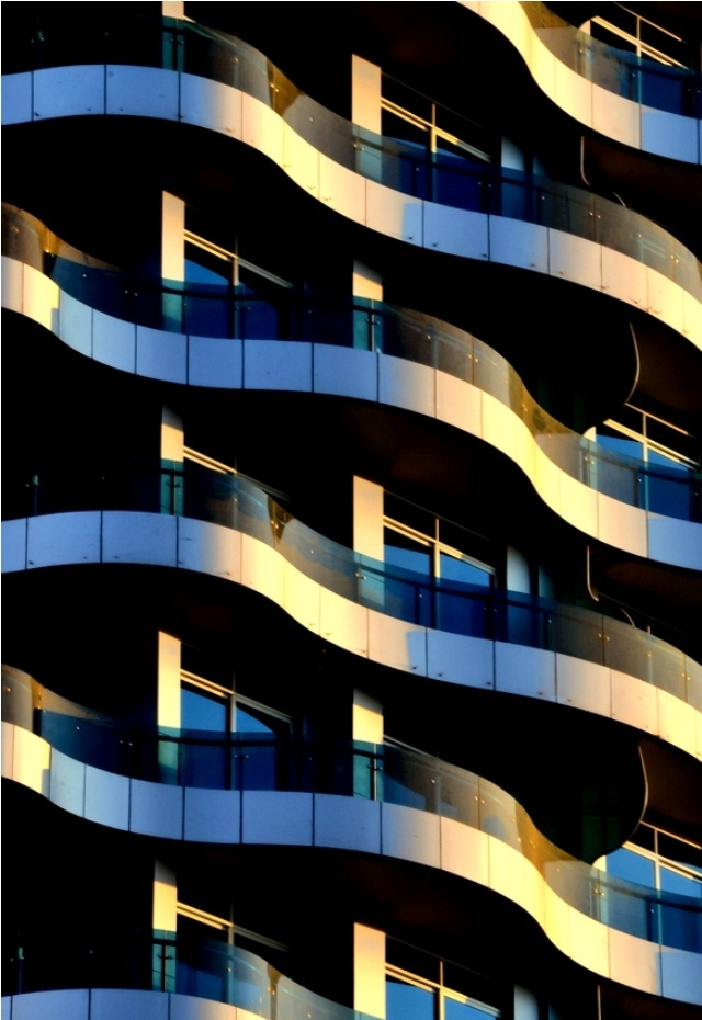 17 best images about facade on pinterest cardiff office for Undulating architecture