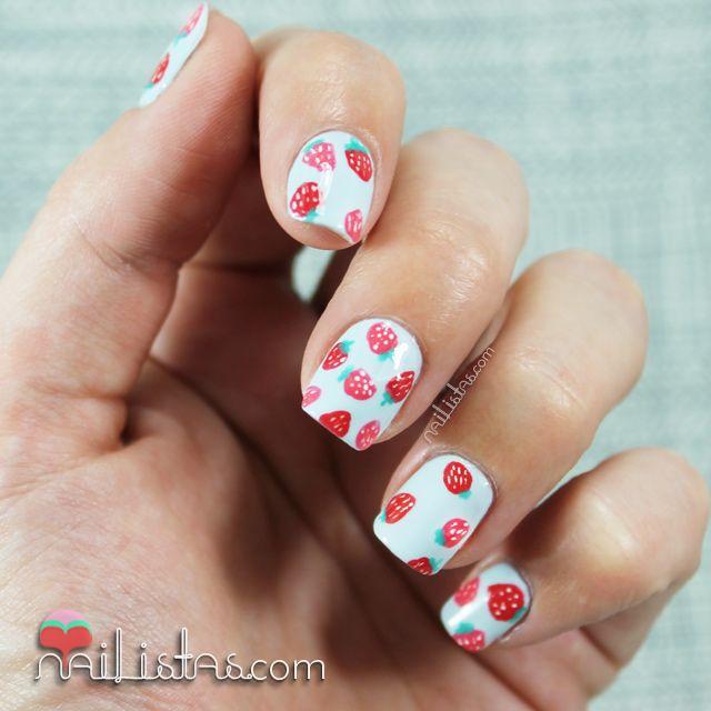 Uñas decoradas con fresas | Frutas de verano