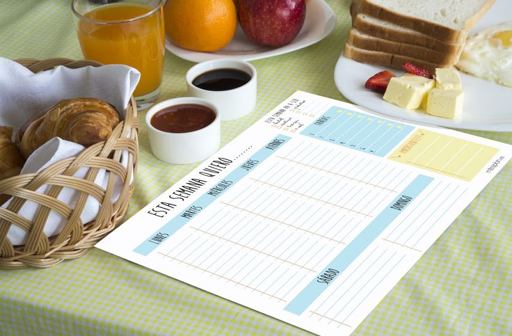"""Disfruta del fin de semana. Hazte un buen desayuno y aprovecha para planificarte la semana que viene. Nos lo agradecerás   Hoy os dejamos una frase de Jeff Lindsay: """"Sé que la familia es lo primero, pero ¿no debería ir después del desayuno?""""  #desayuno #semanal #missplan"""