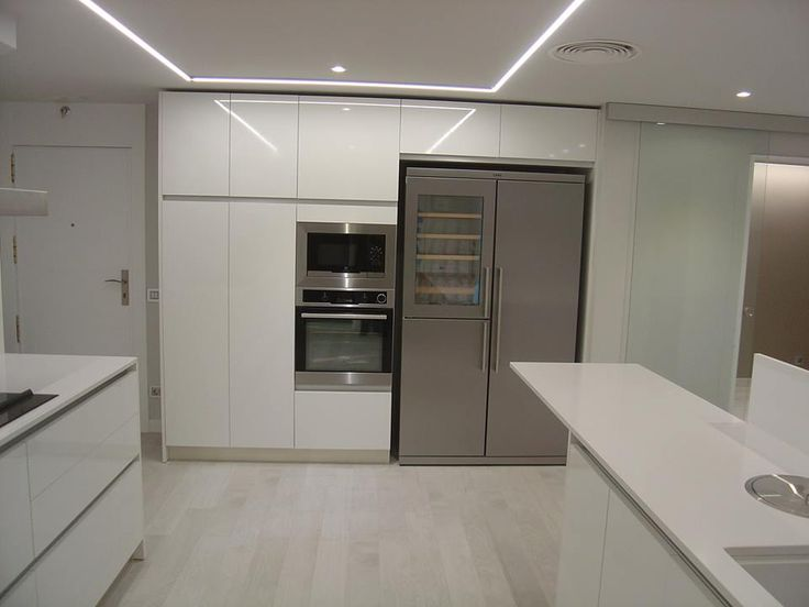 Otra vista de la misma cocina. Proyecto y ejecucion por parte de OFFICE HOGAR