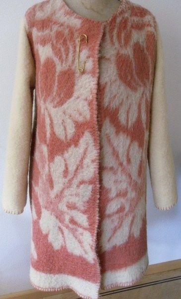 Dekenjas jas vest van vintage deken, mt. M  van MORETHANVINTAGE op DaWanda.com