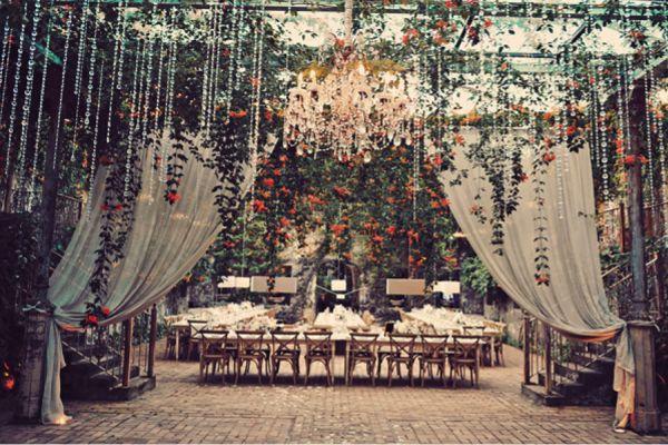 Pretty Perfect Hanging Wedding Decor #wedding #reception #weddingdecor