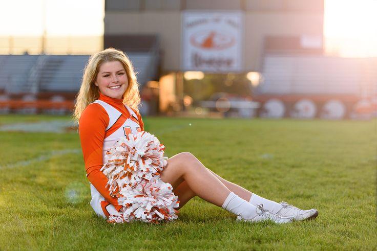 Girl Senior Portrait Ideas / Senior Picture Ideas Girl / Breezy Hill Portraits / Cheer / Cheerleading / Cheerleader