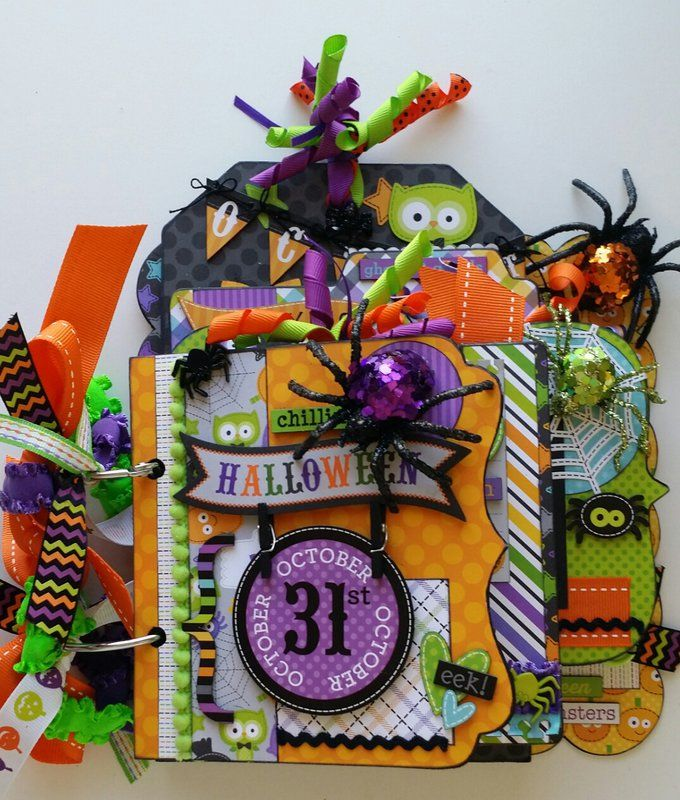 Halloween mini album - Scrapbook.com
