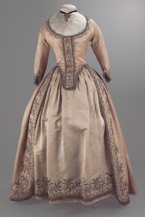 Robe a l'anglaise - 1780's