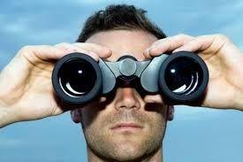 Verbo 1: Mirar: para estar alerta al acecho, Mira atentamente, u observar, como para ver lo que viene, se hace o sucede: