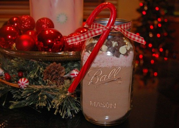 Peppermint Hot Chocolate Mix - great for gifts because it's easy and tastes wonderful!