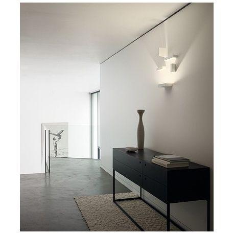 Vibia lámpara aplique Set.   Ambients iluminación te ofrece los mejores precios en primeras marcas de iluminación. Visítanos !  http://ambientsiluminacion.com/apliques-pared/118-set.html