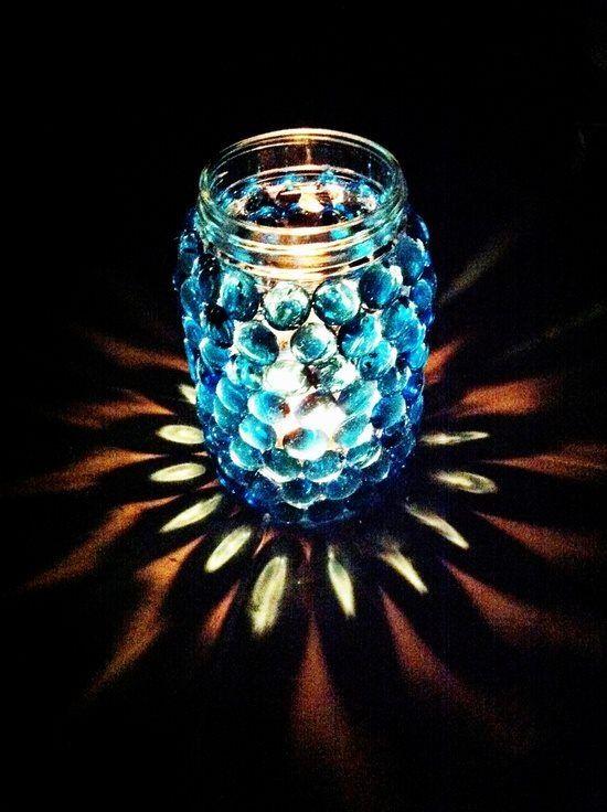 GORGEOUS Mason Jar + Vase Gems = Amazing DIY Candle Jar… So pretty in the dark! I need to try this! #DIY #Mason_Jar #Candle #Luminary