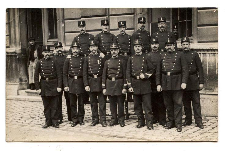 CARTE PHOTO ANCIENNE DE 1910.POLICE MUNICIPALE.POLICIERS.UNIFORME.POLICIER. | eBay
