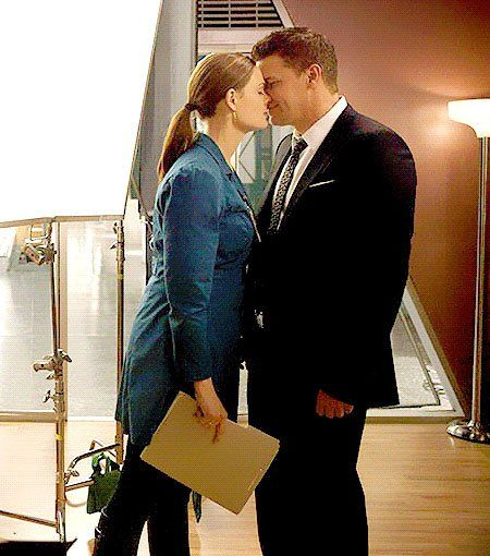 Pictures from tv show bones booth Brennan Booth and bones The