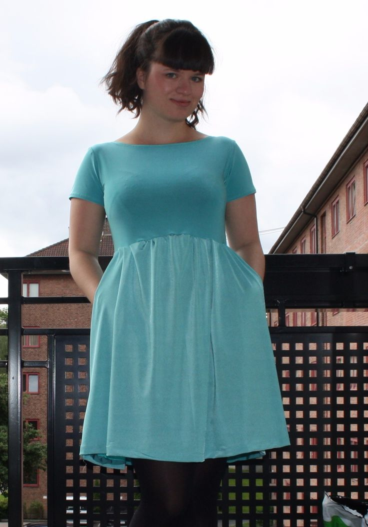 Moneta dress in mint. Colette Patterns. Made by me.