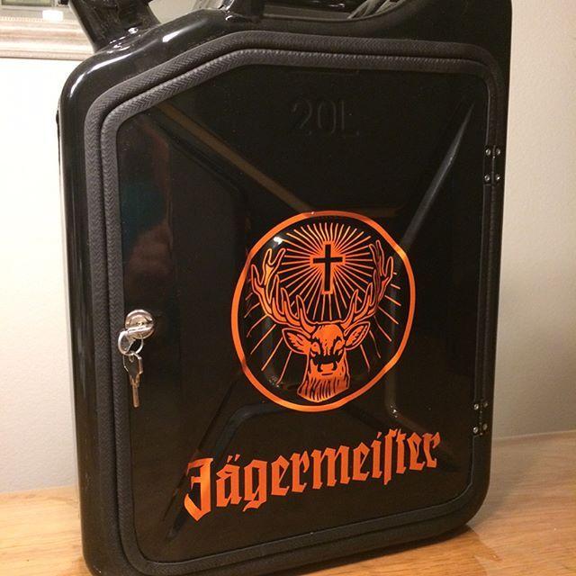 Verkauft! Jägermeister Kanister #jerrycan #jerrycanminibar #bern #konolfingen #schweiz #jägermeister @jagermeister @jaegermeisterde