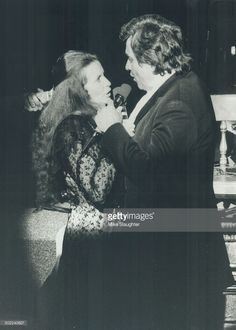 Johnny Cash and wife June Carter News Photo | Getty Images