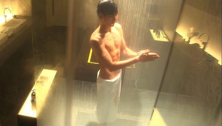 When K-Drama Actors Go Shirtless http://www.kpopstarz.com/articles/99381/20140714/when-k-drama-actors-go-shirtless.htm