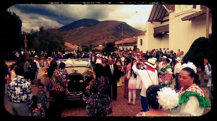 Gran evento en Sachica con nuestro hermoso FORD A PHAETON 1930.  Parque Temático 1900 - El encanto del Pasado Villa de Leyva, Boyaca. 310 4884692 - 3112624760 www.parque1900.com.co @PARQUE1900#CarrosClasicos #CarrosAntiguos #carros