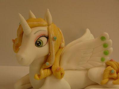 Figurice za torte (Fondant design Ana): MIA AND ME, ONCHAO UNICORN (MIA I JA I JEDNOROG OLIVER) - FIGURICE OD FONDANA