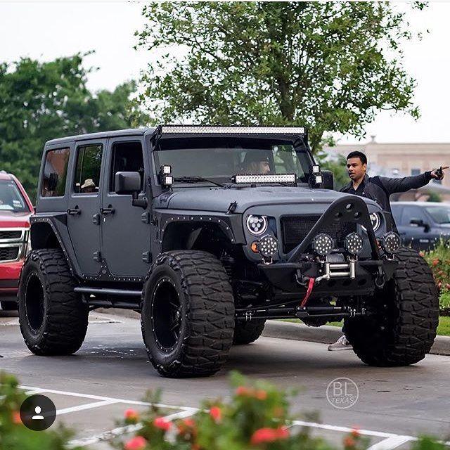 WEBSTA @ americancustomjeep - @black_list_texas #jeeple #jeeplife…