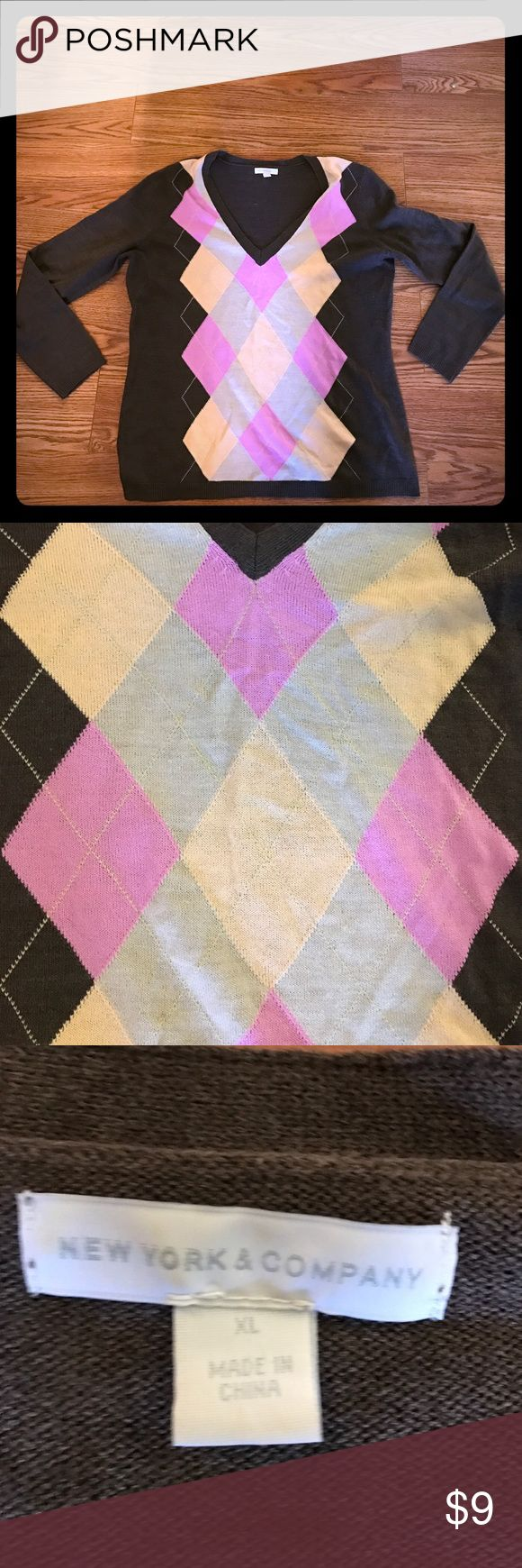 Brown argyle sweater Brown sweater, pink and creme argyle. NY & CO. Size XL New York & Company Sweaters