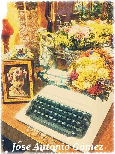 Escribiré acompañado de flores...