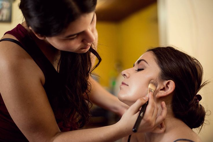 Estefi maquillando!  www.pontecolorete.com