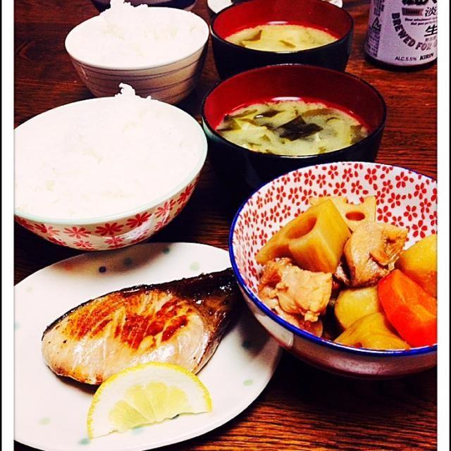 鰤の塩焼き けんちん煮 白味噌の お味噌汁 - 36件のもぐもぐ - 今夜は和食 by えみち