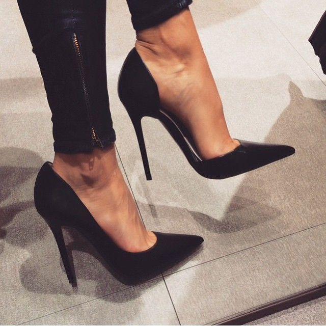 Amores olha que lindo esse sapato preto