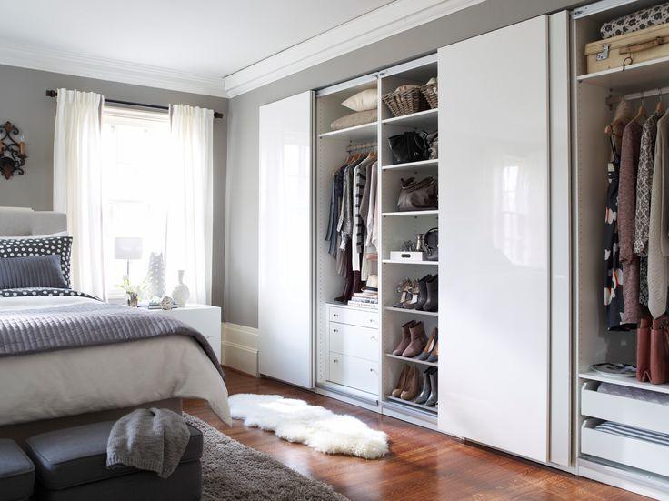 Admirez votre collection de vêtements mode dans le confort de votre lit.: