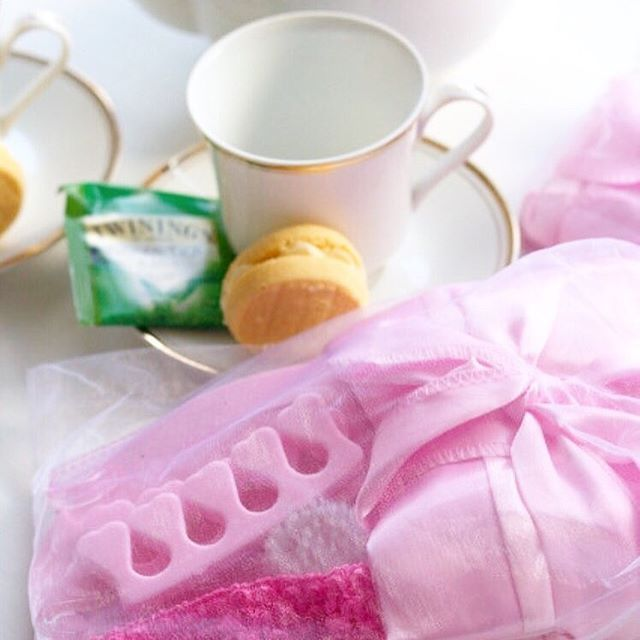 Relax and unwind with the help of our Pamper Party Pack. Enjoy some me time