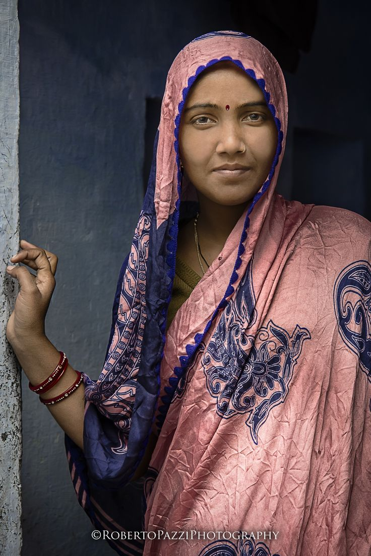 "Young woman in Agra (India).  Visit http://robertopazziphotography.weebly.com, subcribe to the newsletter and download the ebook ""Streets of the World"" as welcome gift!  Web Site: http://robertopazziphotography.weebly.com/ Facebook: Roberto Pazzi Photography Instagram: Roberto_Pazzi_Photography"
