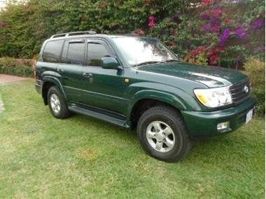 Used Toyota Land Cruiser for sale in San José, Costa Rica - Price: $ 35,700 USD - Year: 2002 - Mileage: 97 000 km - Transmission: Automatic - Fuel type: Diesel - Traction: 4WD - Safety: Anti-Theft: central lock - Safety: Anti-theft: engine immobilizer - Safety: Brakes: ABS - Safety: Brakes: rear discs - Safety: Shock: driver airbag - Safety: Shock: passenger airbag - Safety: Tracción: ASR (control de tracción) - Safety: Tracción: ESP (control de estabilidad) - Color...