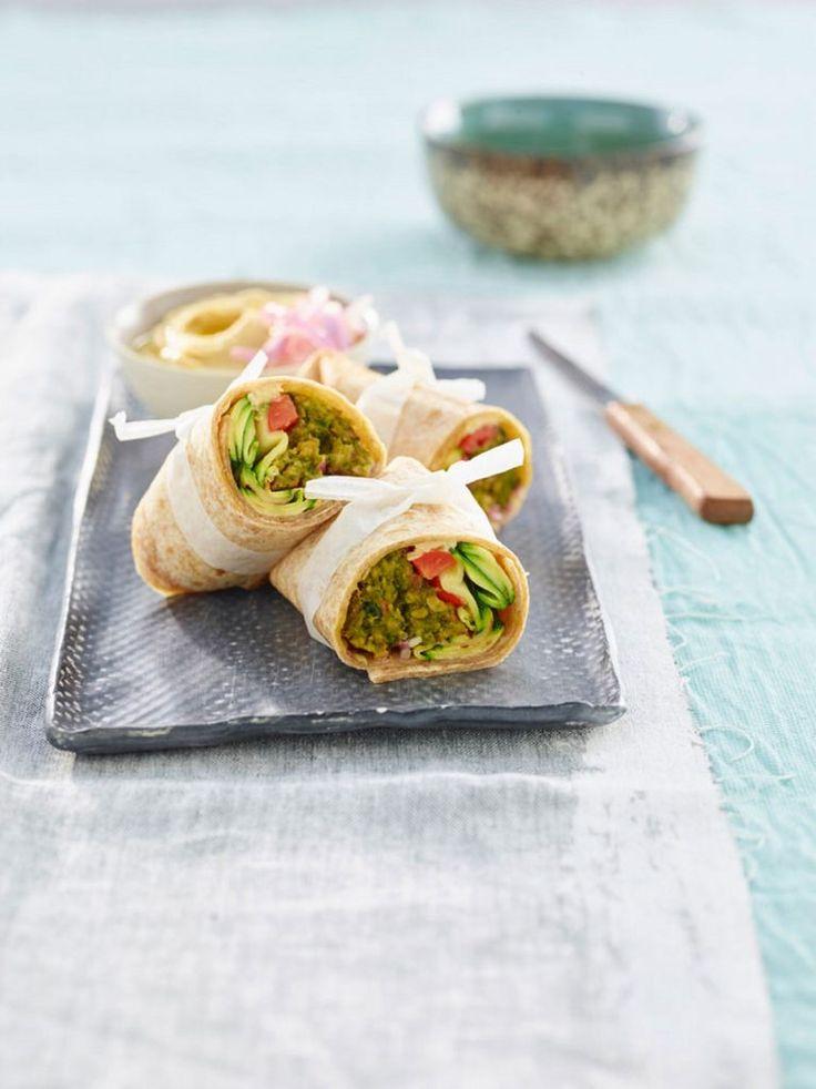 Wrap con miniburger agli spinaci, zucchine, pomodori e hummus*