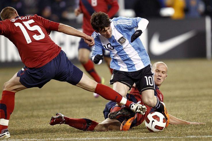 Argentina vs Estados Unidos en vivo  Fútbol en vivo - Argentina vs Estados Unidos en vivo. Todo para ver el partido Argentina vs Estados Unidos en vivo en el lugar donde estés. Horarios canales previa y más.