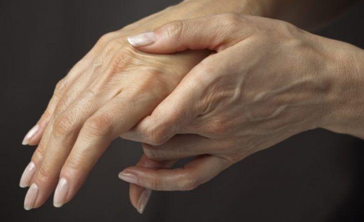 Moje ruky boli škaredé a pôsobili veľmi staro, no teraz ich každý obdivuje. Nasledujte tieto postupy a budú ich obdivovať aj vám | MegaZdravie.sk