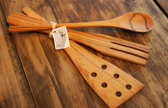Olive wood spatulas and scoop