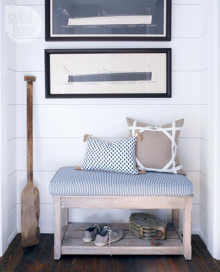 Cottage decor: Welcoming entryway {PHOTO: Robin Stubbert}
