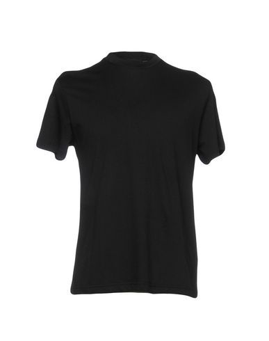 Prada Men T-Shirt on YOOX. The best online selection of T-Shirts Prada. YOOX exclusive items of Italian and international designers - Secure payments - Free Return