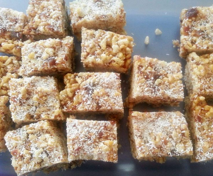 Recipe No Bake Date and Rice Bubble Slice by BunnoGal - Recipe of category…