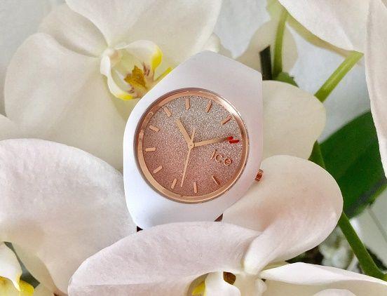 """Ice-Watch Uhren sind bekannt für bunte Farben. Die Damenuhr """"Ice Lo"""" überzeugt jedoch durch einen eleganten Look. Besonders auffällig ist das glitzernde Zifferblatt. Über 100 Ice-Watch Uhren findet Ihr im uhrcenter-Onlineshop:  https://www.uhrcenter.de/uh"""